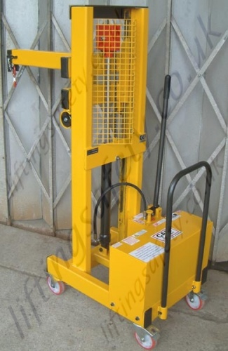 True Vertical Lift with Hand Pump