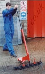 Robust Manhole Cover Lifter - 300kg Capacity