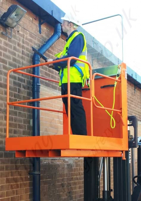 Quality Fork Truck Mounted Man Riding Access Basket For 2