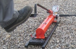 Manually Operated Hydraulic Foot Pump, Two Stage Operation